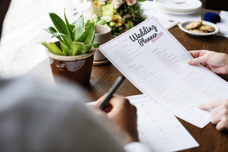 checkliste-zur-hochzeitsplanung-sechs-monate-vor-der-hochzeit-hochzeit-planen-wahl-hochzeitslocation-hochzeitssaal-wedding-planen-hochzeitssaal-finder