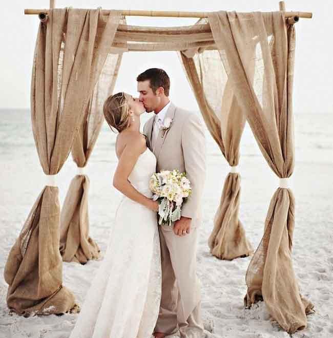 heiraten-am-strand-hochzeit-am-strand-traubogen-hochzeitsdeko-freie-trauung-hochzeitsbogen-weddingarch-strandhochzeit-ideen-hochzeitssaal-finder-2