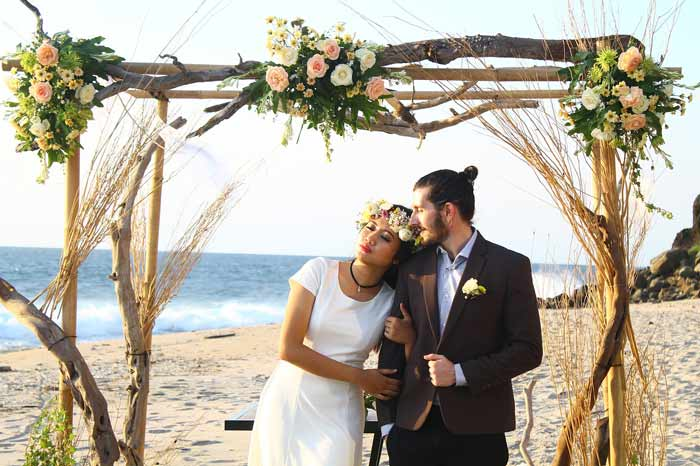 Beach Wedding On The Sand Over Looking The Ocean Wood Table With